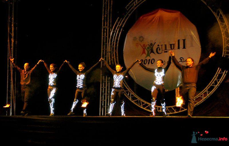 Свадебное огненное шоу - фото 124384 Световое и огненное шоу - Extravaganza show