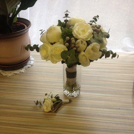 Холодный белый букет невесты