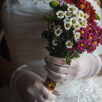 Букет невесты из ромашек и астр