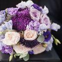 Сиреневый букет невесты из эустом, астр и роз