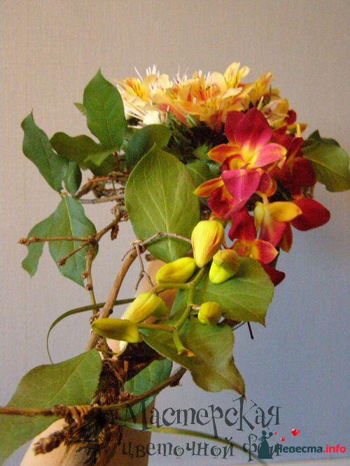 букет на плетенном каркасе - фото 121621 Мастерская цветочной феи - цветы