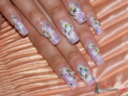 Яркие ногти, для яркой девушки!