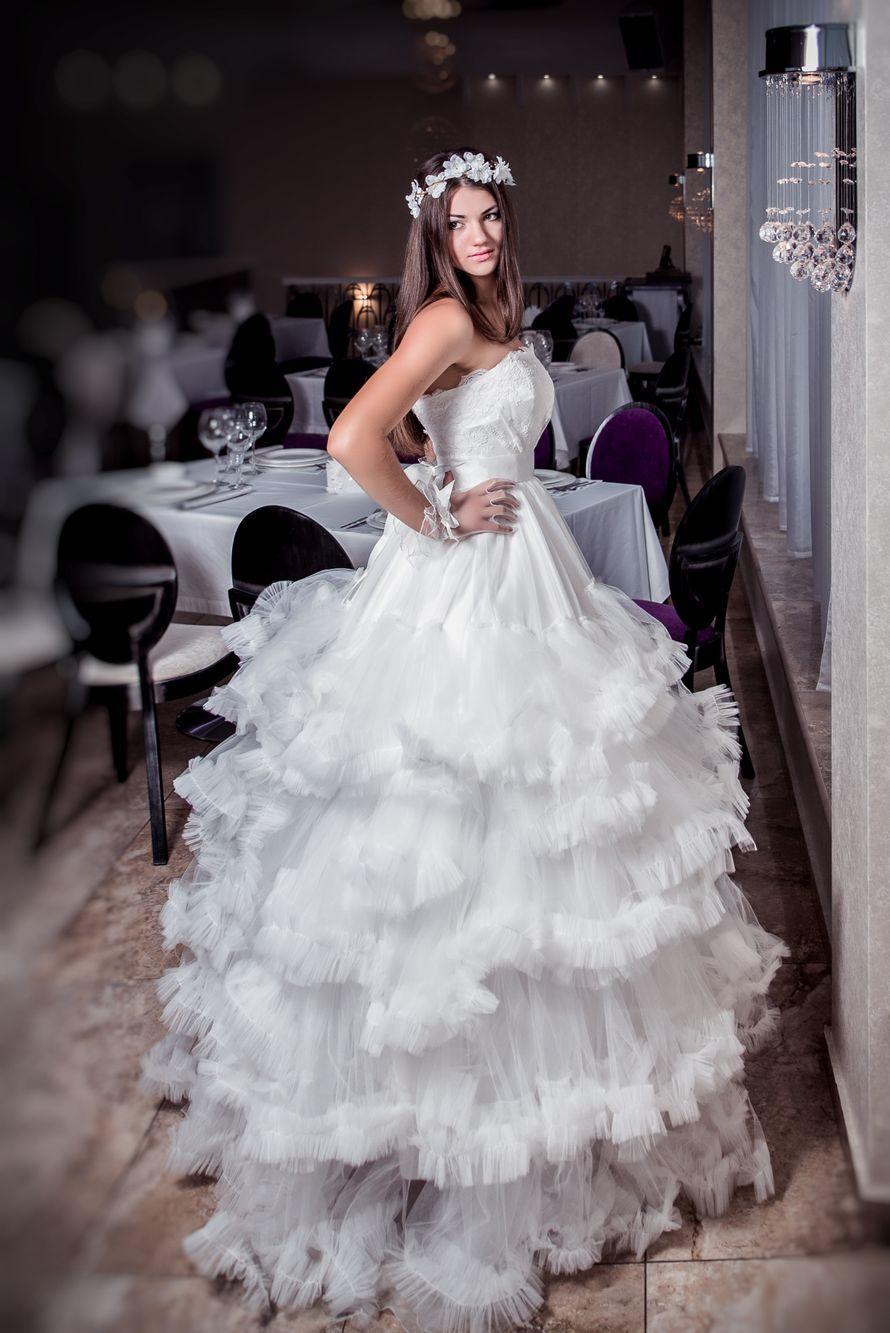 Модели из коллекции Vera Vang - фото 1157719 Julian Fashion - салон свадебной и вечерней моды