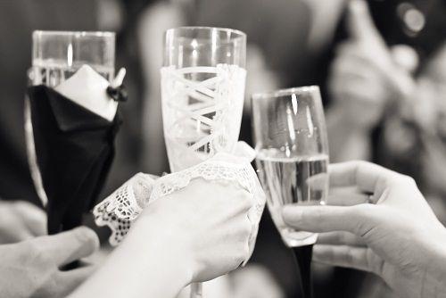 """Фото 1219315 в коллекции Свадебные бокалы в костюмах жениха и невесты - Свадебные бокалы """"в костюмах жениха и невесты"""""""