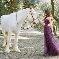 Подружка невесты в лавандовом платье