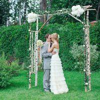 рустик, выездная церемония, арка, жених и невеста