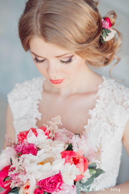 Нежные прически для невесты