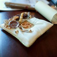 Подушечка для колец с сургучной печатью
