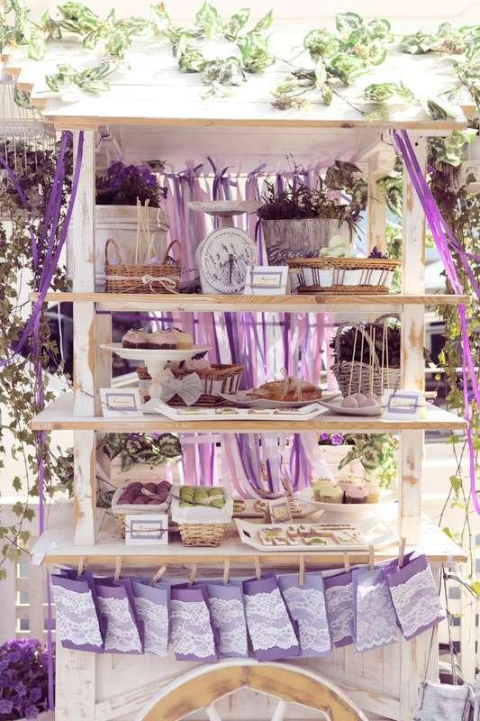 Оформление фотосессии свадьбы в стиле прованс с использованием белого деревянного стеллажа с кенди баром - фото 1669881 Свадебное агентство Art Jam