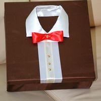 коробка в ткани для нишана, или подарка, сделана в стиле рубашки с воротничком и бабочкой