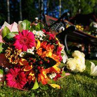 Букет невесты в оранжево-розовой гамме из гербер