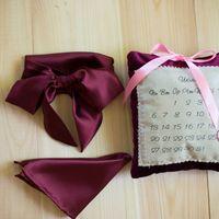 Свадебный комплект бордового цвета: викторианский бант платочек, подушечка для колец. Стоимость комплекта 1990 р. Чтобы заказать пишите в л.с.  или по т. +7 950 038 54 26