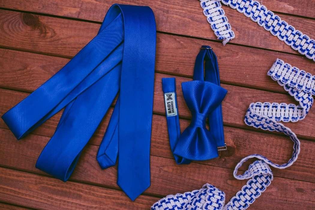 Галстук и бабочка синего цвета. Стоимость комплекта 2390р.  Чтобы заказать пишите в л.с.  - фото 17459010 CheeseLove - дизайнерские аксессуары ручной работы