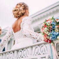 Нежный букет невесты с голубой гортензией