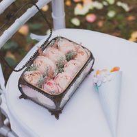 Стеклянная шкатулка для колец с цветами