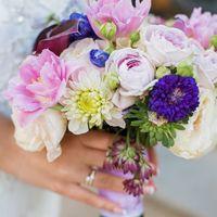 букет невесты в сиреневой гамме