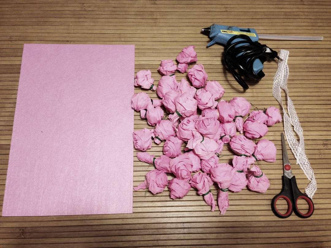 Благодарим, розы из гофрированной бумаги своими руками для открытки с днем рождения