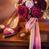 Марсала, букет невесты, марсало-золото, сборы невесты