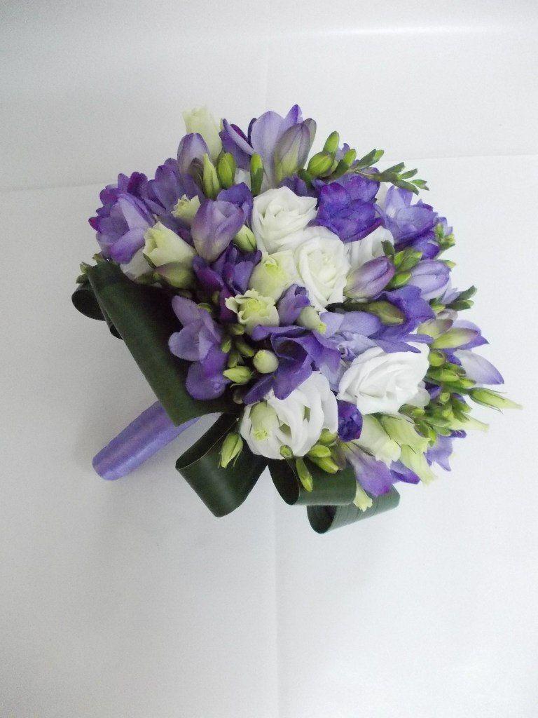 Свадебные букеты тюльпаны фрезия эустома, корзины