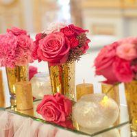 золото свечи цветы на зеркале