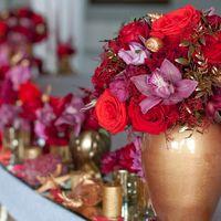 оформление стола молодых цветами