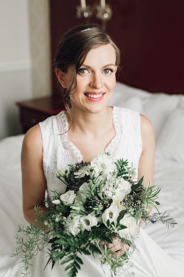 """бело-зеленый букет невесты - фото 16311544 Студия флористики и декора """"Глориоза"""""""