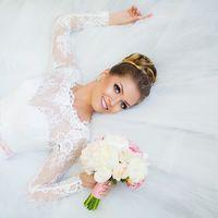 бело-розовый букет невесты с пионами