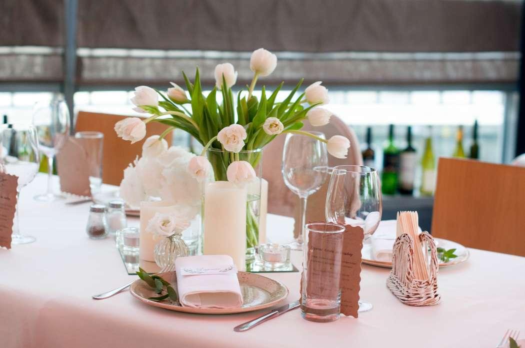 """оформление стола гостей цветами - фото 17585424 Студия флористики и декора """"Глориоза"""""""