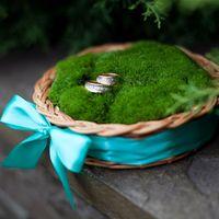 Подушечка с кольцами из зелёного мха