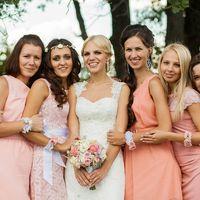 Браслеты для подружек, свадебный букет в розовой гамме