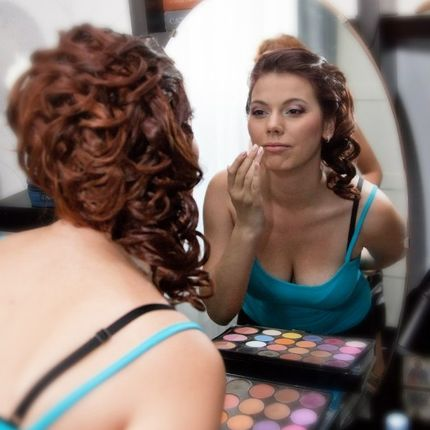 Причёска и макияж для гостей
