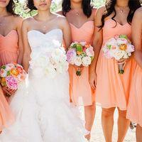 Подружки невесты в персиковом