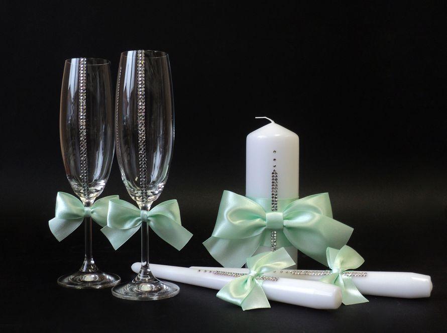 Бокалы и свечи со стразами Сваровски. Возможно исполнение в другом цвете.: фото 3202527 - Студия свадебных приглашений, аксессуа