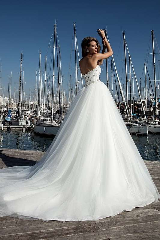 Fina - фото 14011672 Bondi blue - салон свадебных платьев