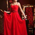 Красное платье для подружки невесты