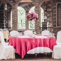 Оформление стола гостей цвета Фуксия