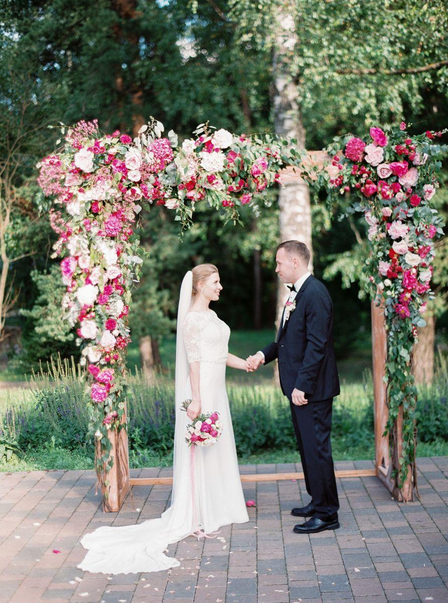 Деревянная прямоугольная арка в эко-стиле - фото 17316278 Premiumflor - декор и флористика
