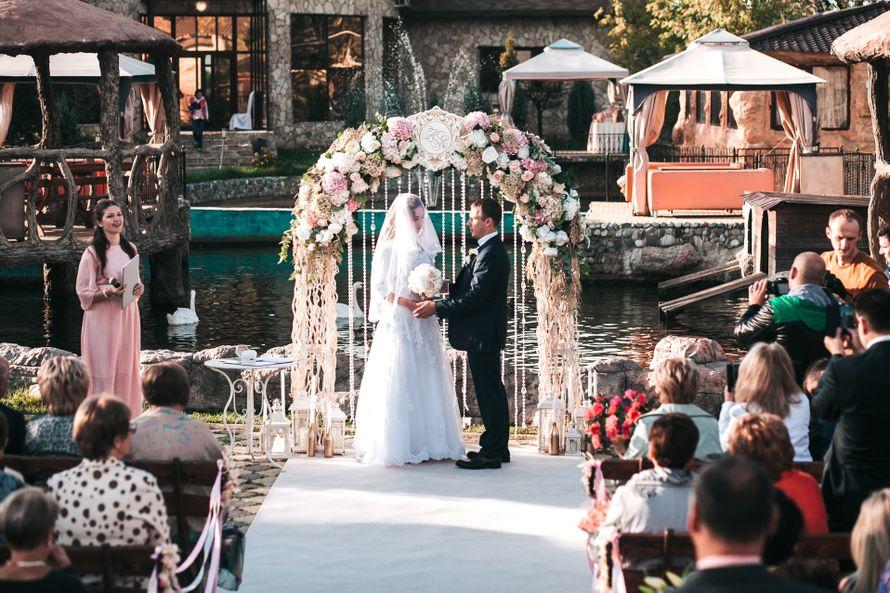 Полукруглая арка в классическом стиле - фото 17316284 Premiumflor - декор и флористика