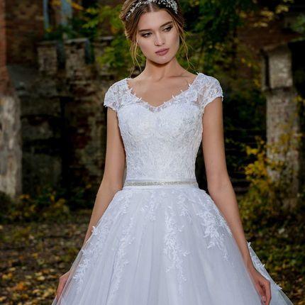 Свадебное платье - модель А888 в аренду