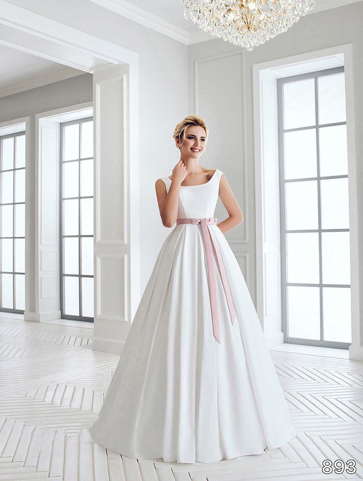 Свадебное платье в аренду, модель А986