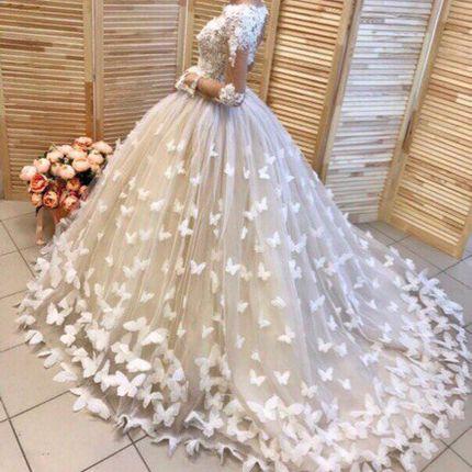 Свадебное платье со шлейфом  с бабочками А1281