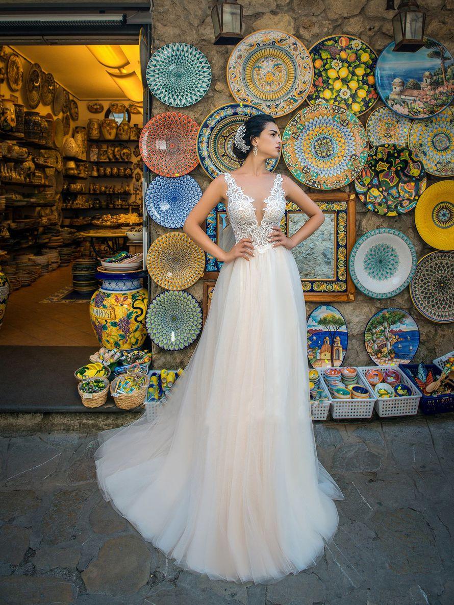"""Свадебное платье А1349. Покупка НОВОГО 24.500р. Прокат свадебных платьев от 1.900 р до 14.500р на три дня. Есть отдельно ряд платьев для проката! - фото 17673142 Свадебный салон """"Лучшая"""""""