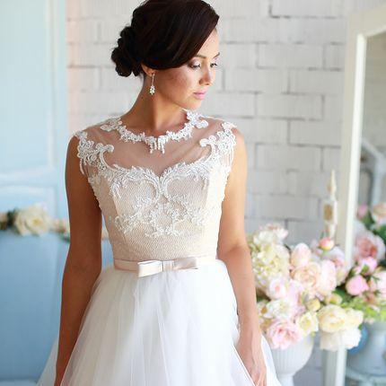 Платье со шлейфом А1574