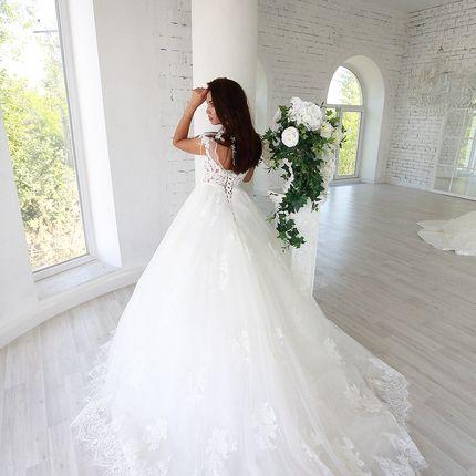 Платье со шлейфом А1628