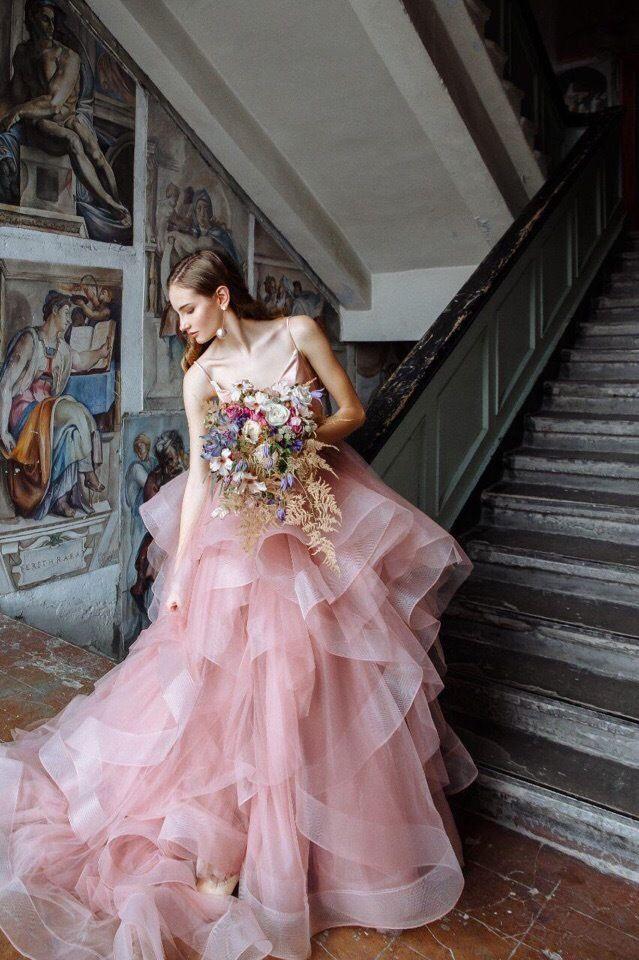 Платье со шлейфом А1766