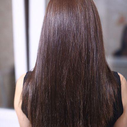 Кератиновое выпрямление волос до плеч