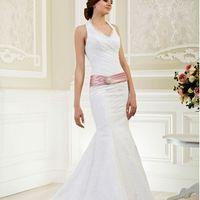 Свадебное платье с бретельками и поясом