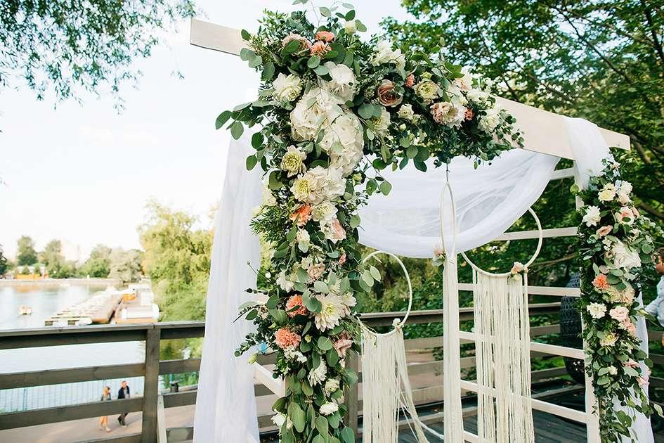 Свадебная арка - фото 11803988 Свадебное агентство Bride To Be