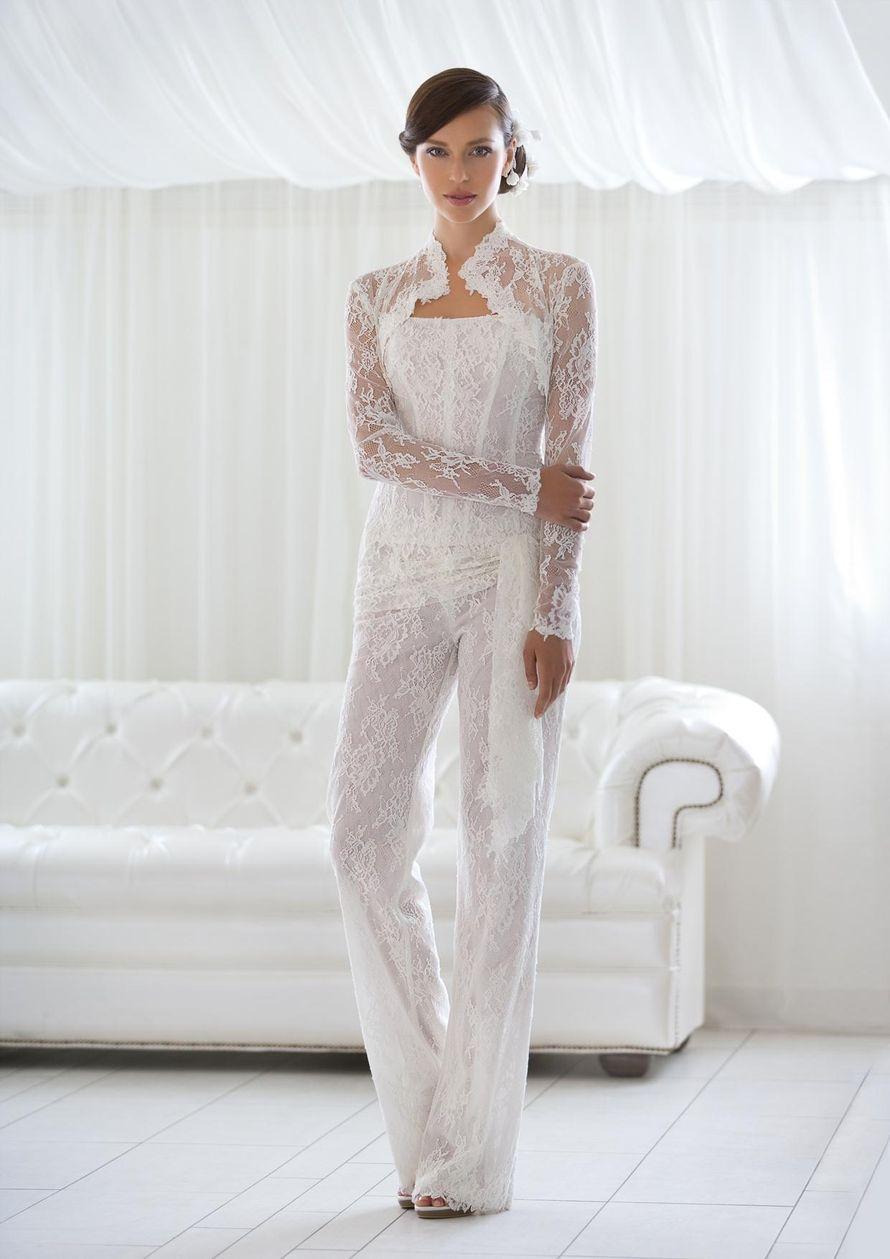 Фото женских костюмов на свадьбу