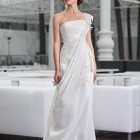 Persea: платье сочетающее в себе элементы греческого стиля: ассиметричная драпировка, и элегантная лямка в сочетании с кружевным росшивом выглядит потрясающе! Цвет платья: белый, молочный, кремовый Ткани и материалы: кружево, натуральная тафта Идея: пр